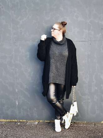 Fake Fur Leder Leggings und Strick