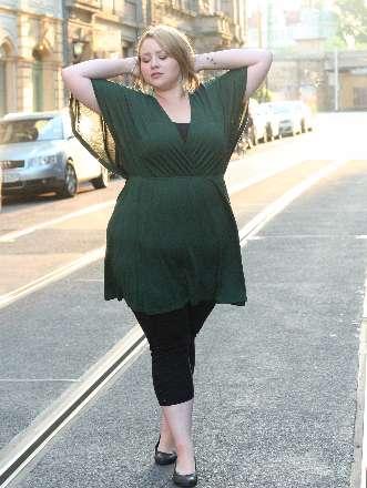 Basic Kleid in Kombination mit einer Leggings