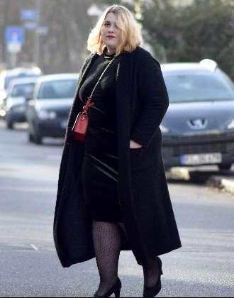 All Black in Rofa Fashion & Velvet Dress