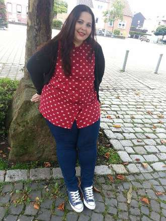 Rote Bluse casual kombiniert