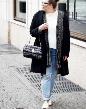 bequemer Look mit Strick & Netzstrumpfhose