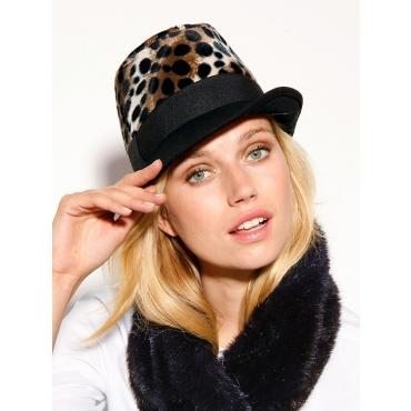 Winter-Accessoires: Damen Hut Mode Trend bei incurvy