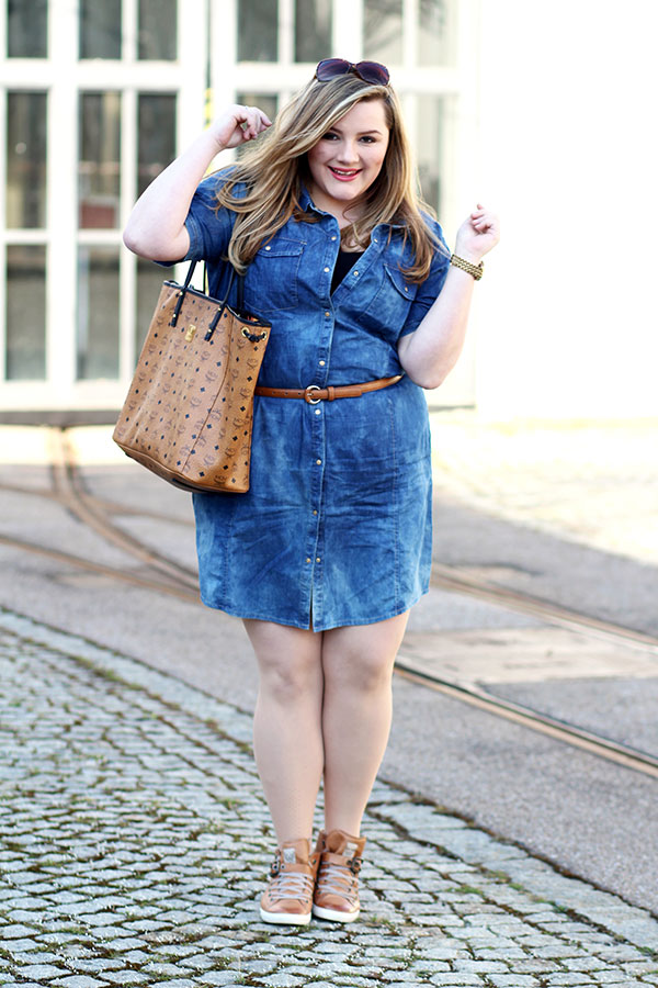 3f3269574b55 Denim Love: Jeanskleider in Plus Size - INCURVY Plus-Size Fashion - BLOG