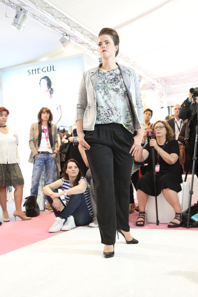 Sofia - 8/19 - INCURVY Plus-Size Fashion