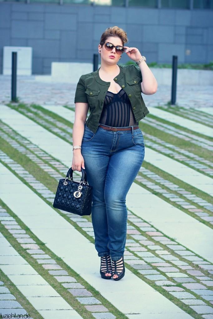 93528f605bffc0 ... plussizeblogger-outfit8 plussizeblogger-outfit9. Let's talk: Plus Size  Blogger ...