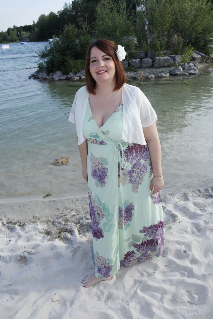 hochzeits-outfits in plus size
