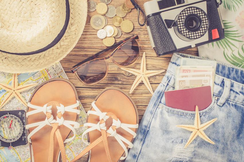 Stylisch leichte Looks für Deinen Urlaub - hier!