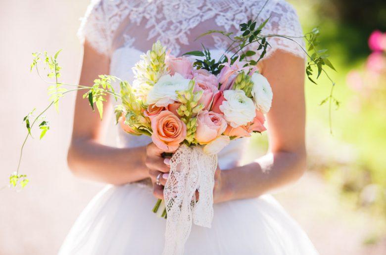 Was anziehen zur Hochzeit als Gast? Styling-Tipps