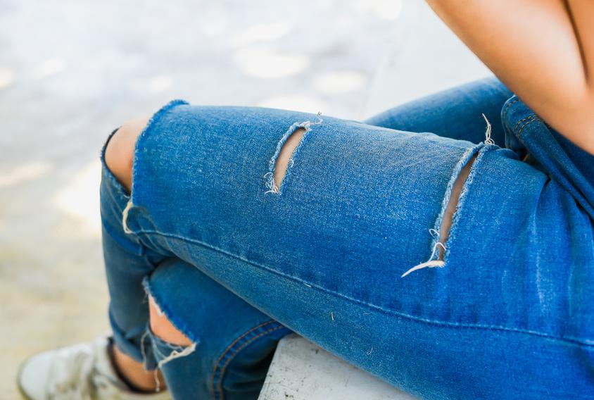 So kombinierst du Vokuhila-Jeans!