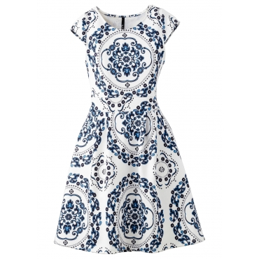 Kleid in Scubaoptik Angela/Sommerkleid kurzer Arm  in weiß von bonprix
