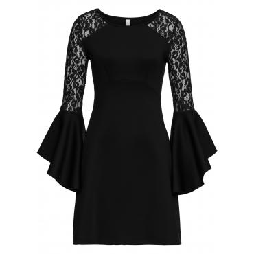 Kleid mit Volant und Spitze langarm  in schwarz für Damen von bonprix