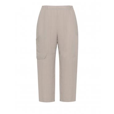 Weite Hose mit aufgesetzter Tasche