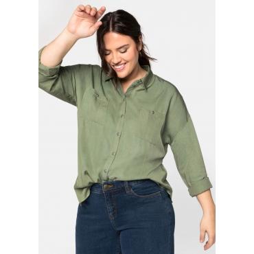 Bluse mit Hemdkragen und Brusttaschen, hellkhaki, Gr.44-58