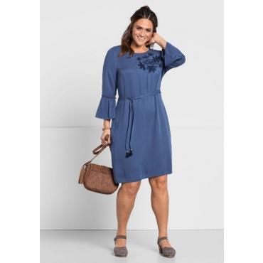 Große Größen: Kleid mit Stickerei, rauchblau, Gr.44-58