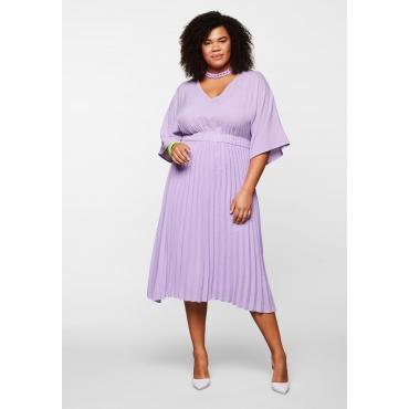 Kleid mit tiefem V-Ausschnitt und Plisseerock, flieder, Gr.44-58