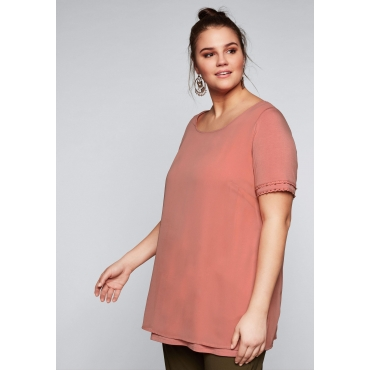 Große Größen: Shirt in 2-in-1-Optik mit goldfarbenen Perlen, rosenquartz, Gr.44/46-56/58