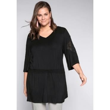 Große Größen: Shirt mit Smokeinsatz und Spitze, schwarz, Gr.44/46-56/58