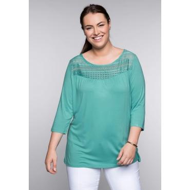 Große Größen: Shirt mit Spitzeneinsatz, karibiktürkis, Gr.44/46-56/58