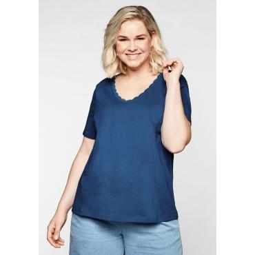 T-Shirt aus Jersey, mit Spitze am V-Ausschnitt, royalblau, Gr.44/46-56/58