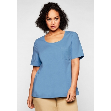 T-Shirt mit Brusttasche und Lochstickerei-Detail, jeansblau, Gr.44/46-56/58