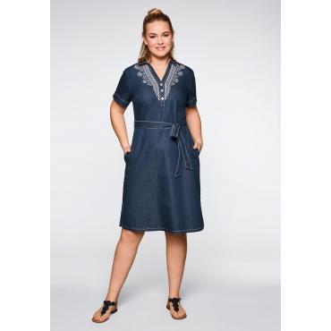 Jeanskleid mit Stickerei und Knopfleiste, dark blue Denim, Gr.44-58