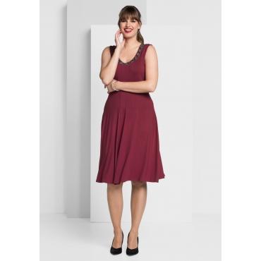 Jerseykleid mit besetztem Rundhalsausschnitt, rubinrot, Gr.40-58