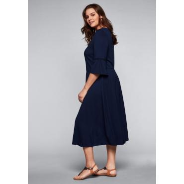 Kleid mit besticktem Ausschnitt und Volants, marine, Gr.44-58
