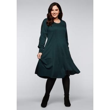 Kleid mit Schlitzen und Zierknöpfen am Ärmel, grün, Gr.44-58