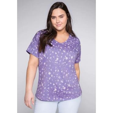 T-Shirt mit Alloverdruck und V-Ausschnitt, helllila, Gr.44/46-56/58