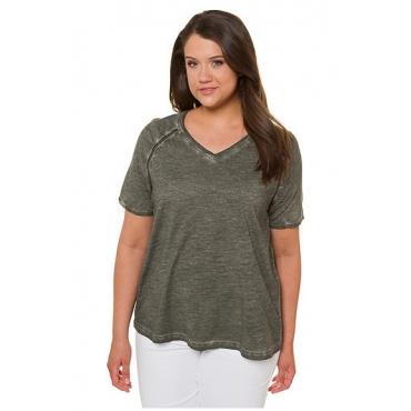 Ulla Popken Damen  T-Shirt, Cool dyed, A-Linie, Litzenbänder, V-Ausschnitt, mattes oliv, Gr. 58/60, Mode in großen Größen