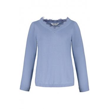 Studio Untold Damen  Pullover, V-Ausschnitt mit Spitze, Langarm, nebelblau, Gr. 54/56, Mode in großen Größen